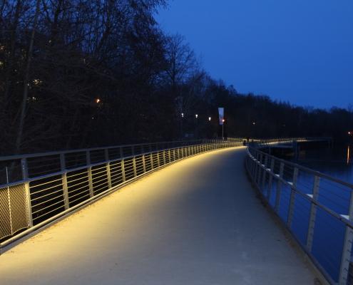 Beleuchteter LED Handlauf DAIDALOS® Wöhrder See Nürnberg - Vorne
