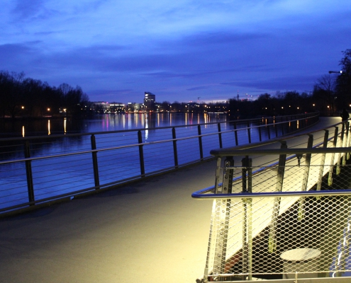 Beleuchteter Handlauf DAIDALOS® Wöhrder See Nürnberg - Seite